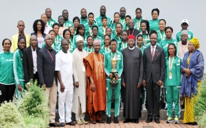 PIC.-9.-PRESIDENT-JONATHAN-RECEIVES-THE-SUPER-FALCONS-IN-ABUJA